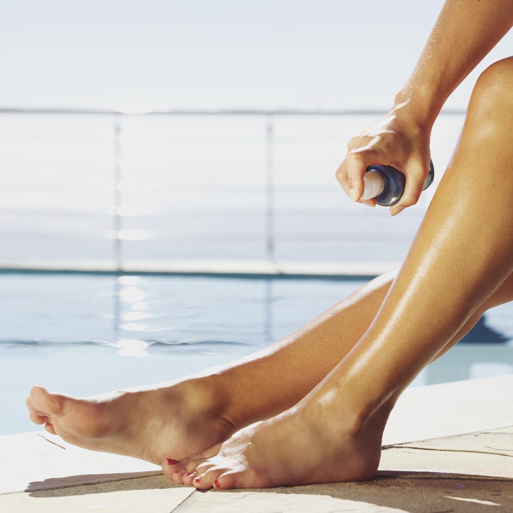 مهم ترین عوارض اسپری برنزه کننده پوست؛ خطرات اسپری های برنزه