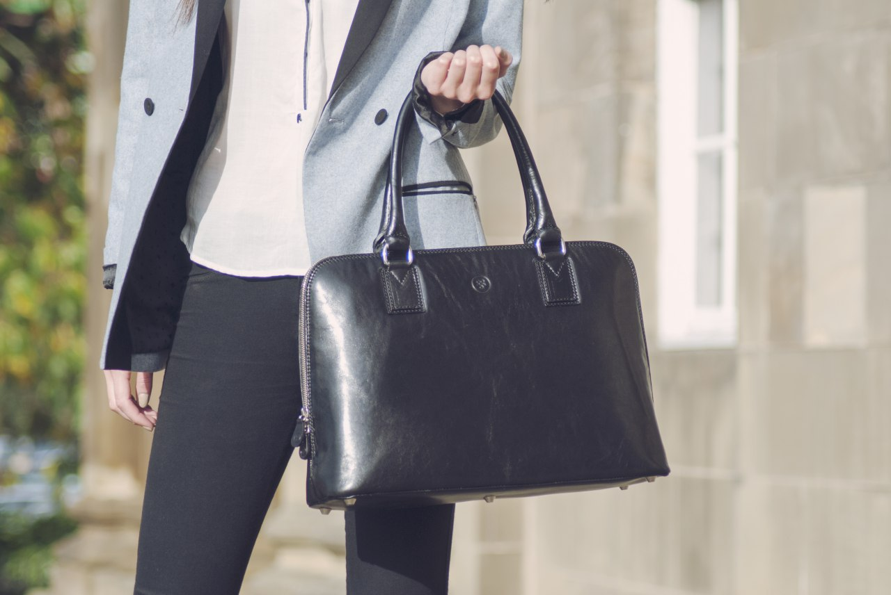 چگونه کیف دستی متناسب با استایل خود را انتخاب کنیم؟