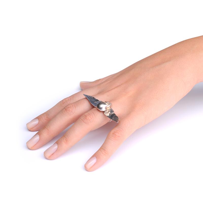 انگشتر بال با اسکلت نقره ای یسمینه