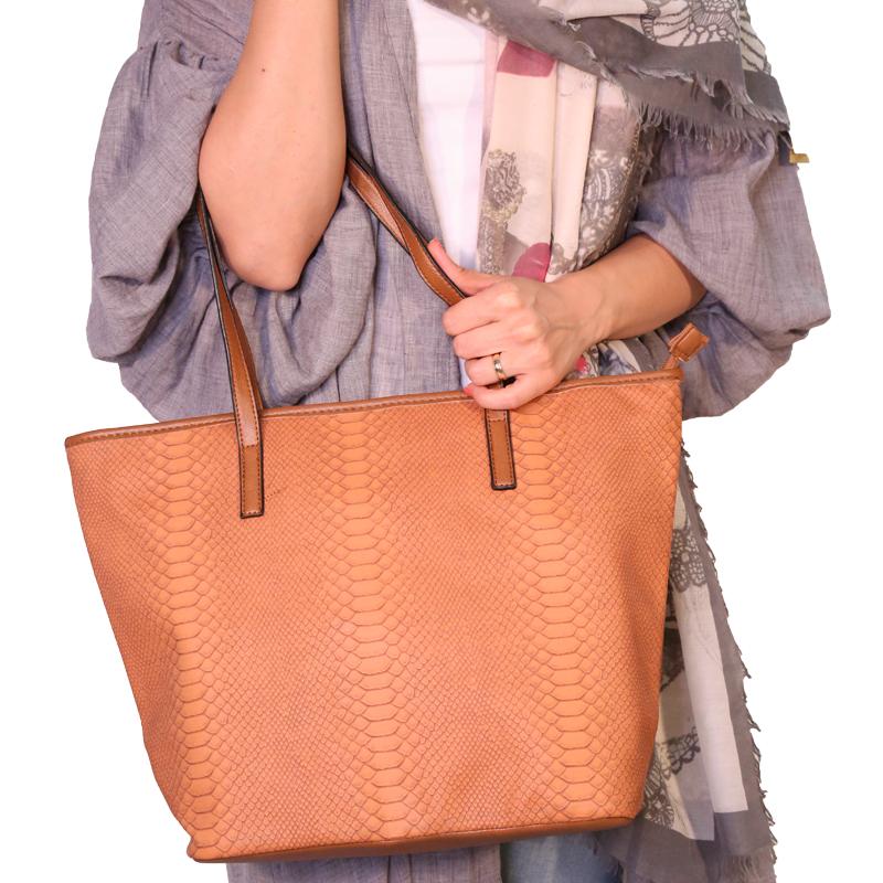 کیف دوشی گابلین با طرح پوست مار - قهوه ای روشن