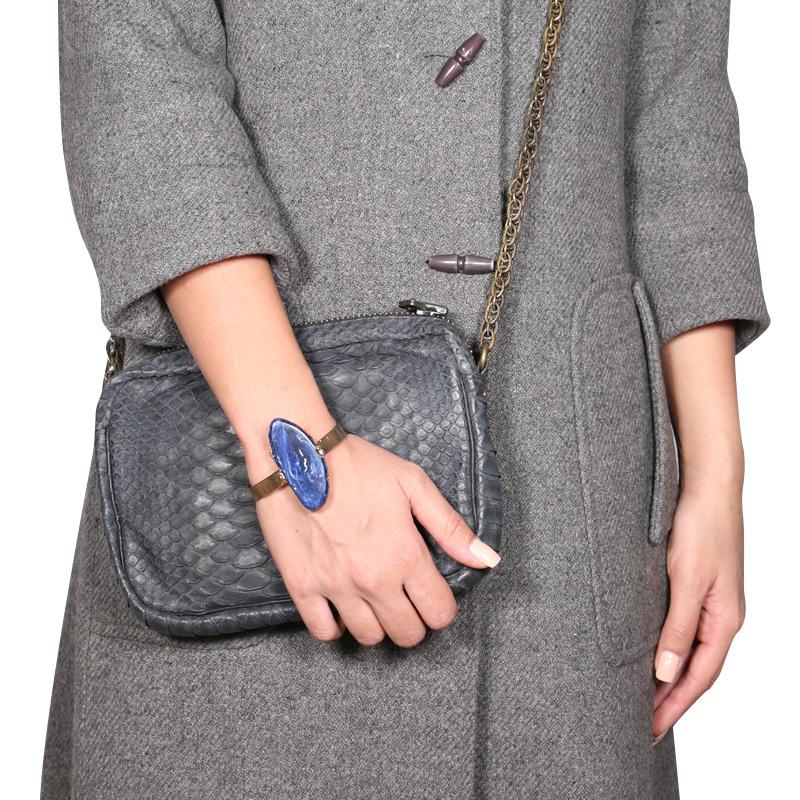 دستبند مدل النگو  Hoja Negra Azul