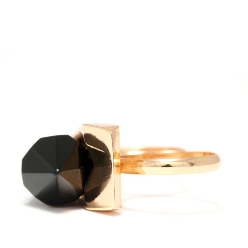 انگشتر ادوریتا مدل Cristal Negra