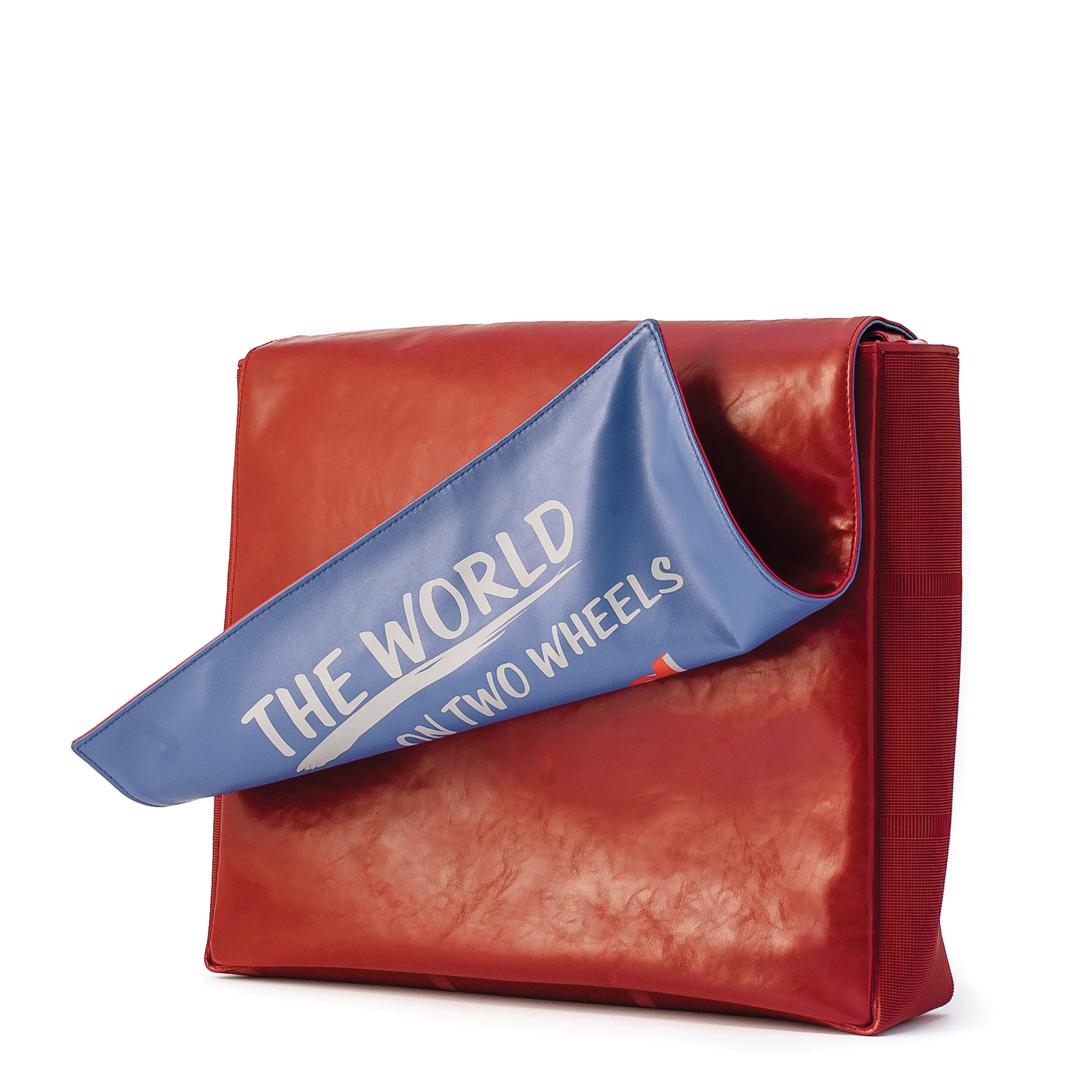 """کیف دوشی قرمز وسپا مدل """" THE WORLD"""""""