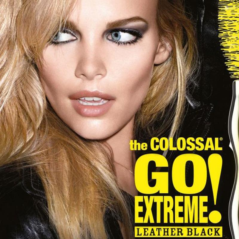 ریمل حجم دهنده خیلی مشکی میبلین مدل Colossal Go Extreme Black Leather